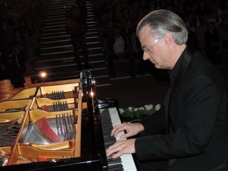 Şamaxıda altı ölkənin məşhur pianoçularının konserti keçirilmişdir