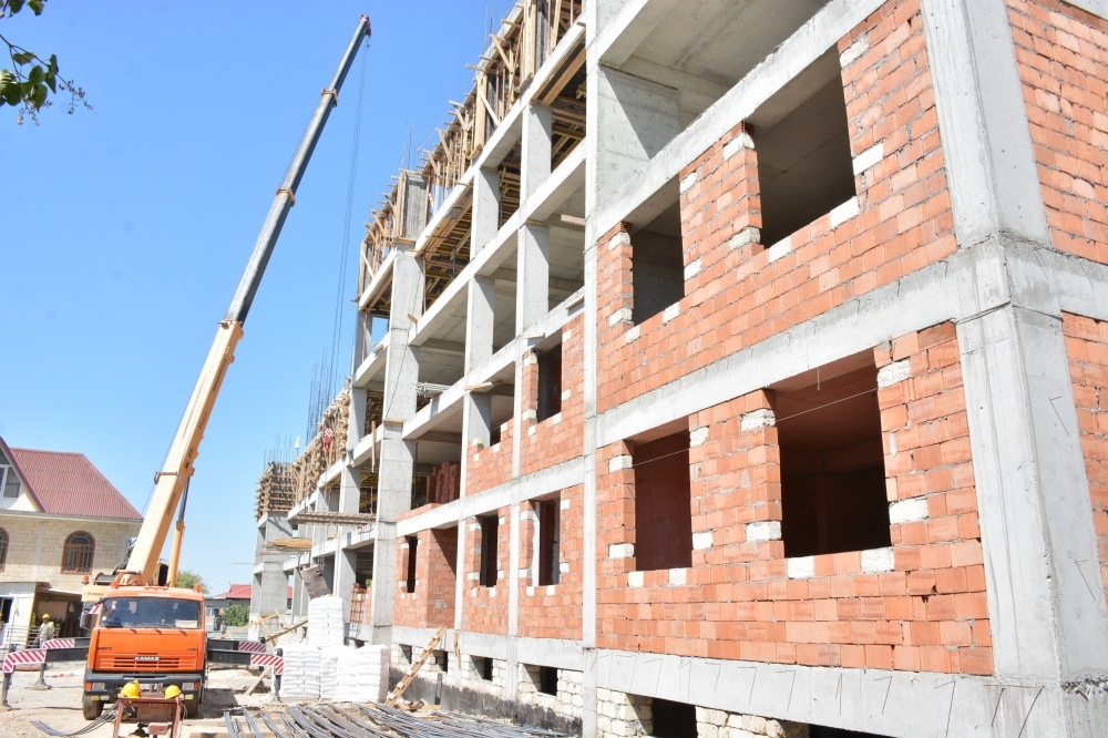 Şamaxıda istismar müddəti başa çatan çoxmənzilli binaların yerinə 48 mənzilli yeni yaşayış binası tikilir