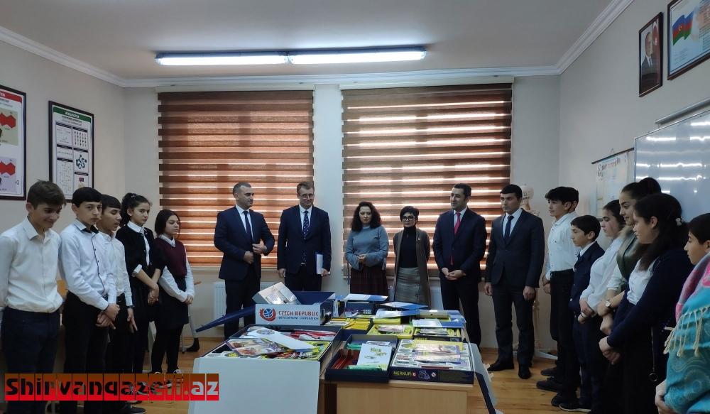 """Rayonda  5 məktəbə """"Merkur konstruktor dəstləri"""" təqdim edilib"""