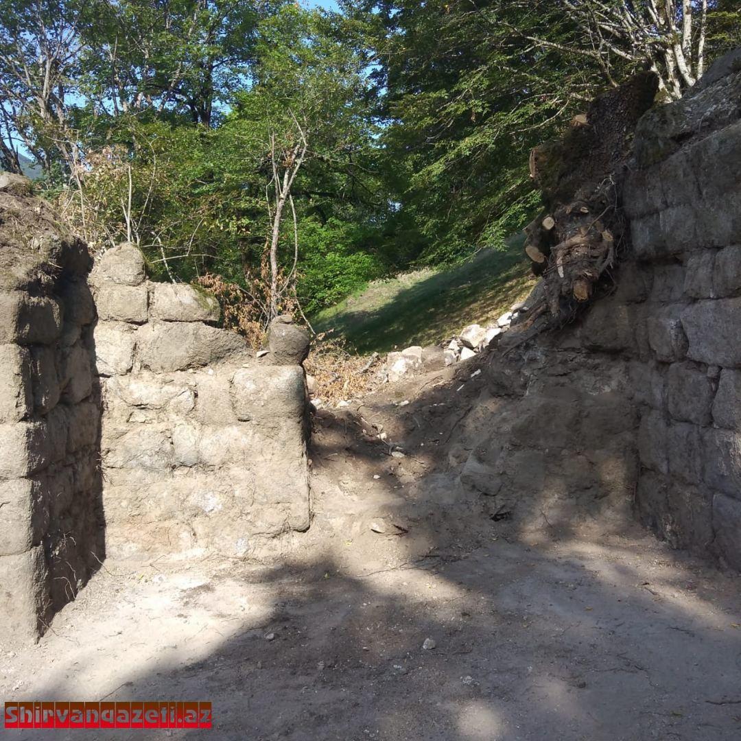 Şirvanşahların sonuncu iqamətgahı Buğurt qalasında arxeoloji tədqiqat işləri aparılır