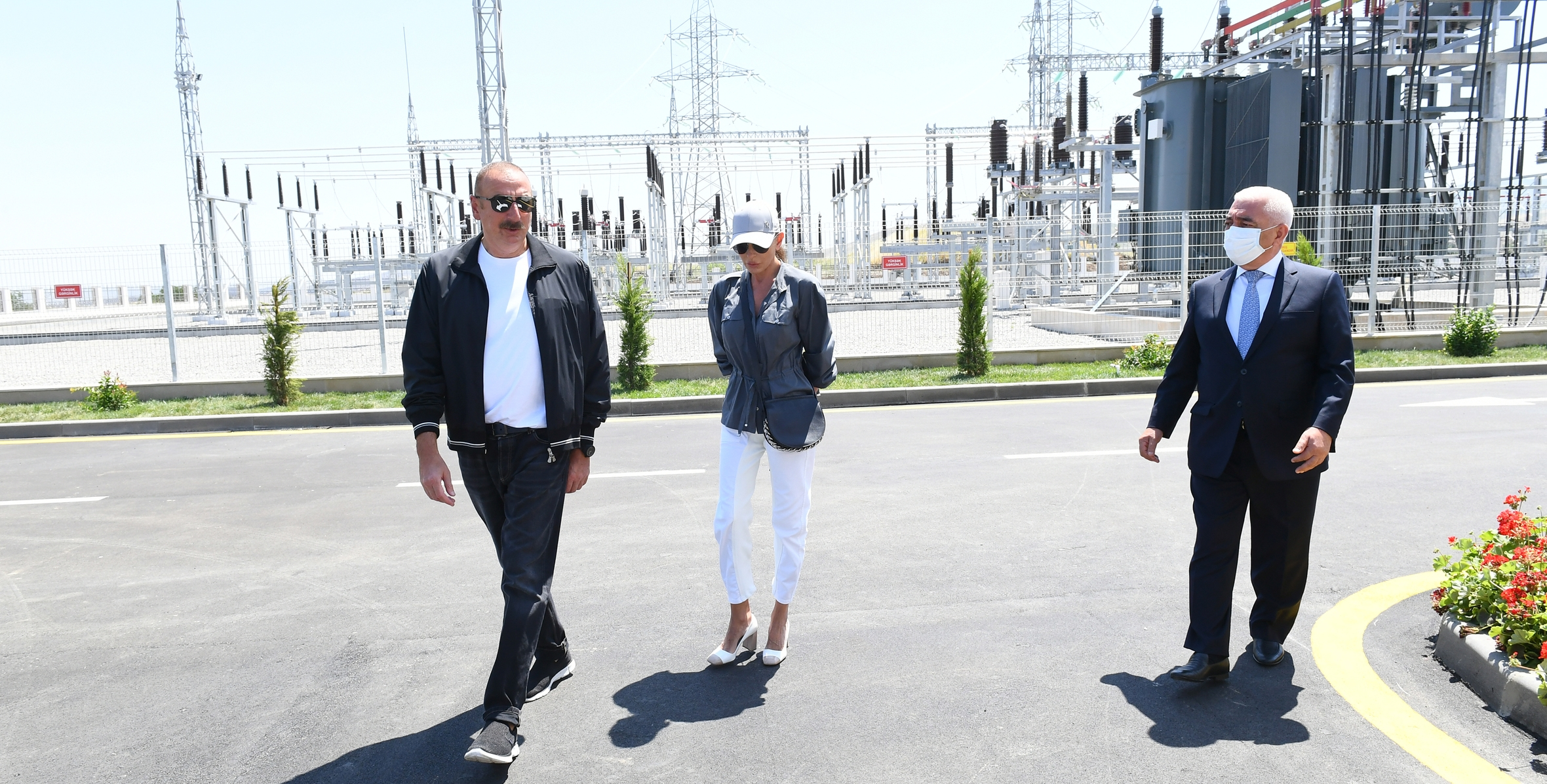 """İlham Əliyev """"Füzuli"""" yarımstansiyasının açılışını edib"""