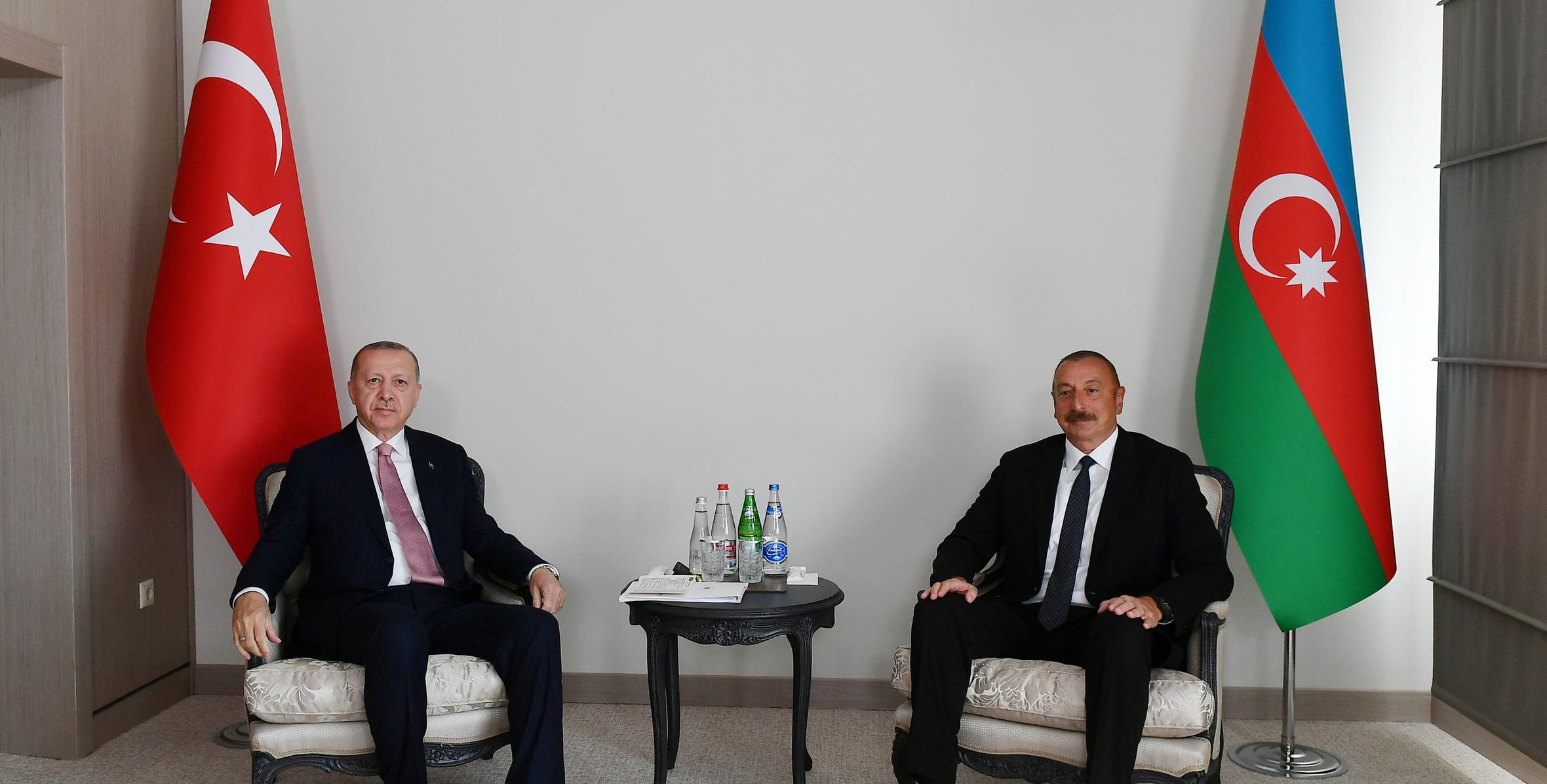 Azərbaycan və Türkiyə prezidentlərinin təkbətək görüşü