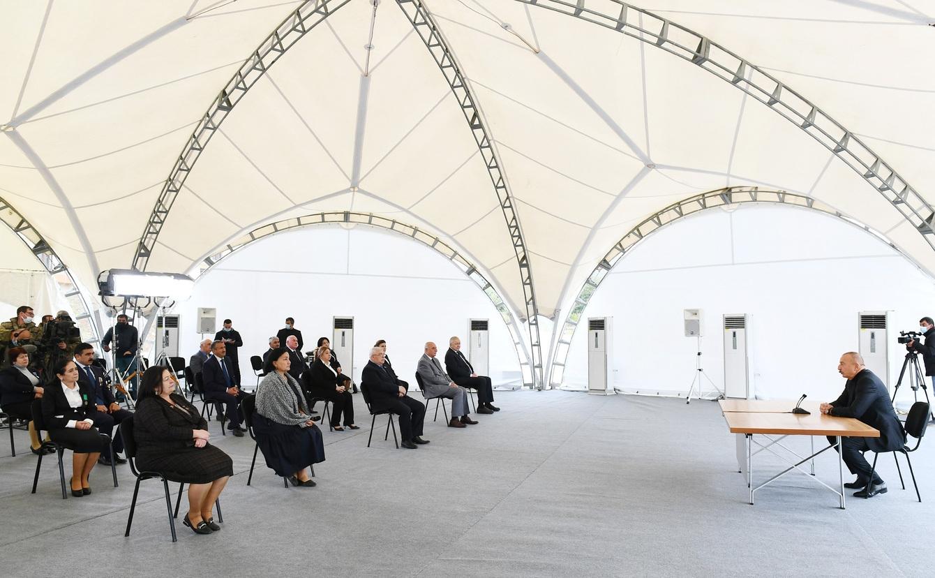 Prezident İlham Əliyev 2021-ci il 9 oktyabr tarixində Xocavənd rayon ictimaiyyətinin nümayəndələri ilə görüşdü